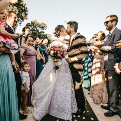 bride-and-groom-kissing-3263714
